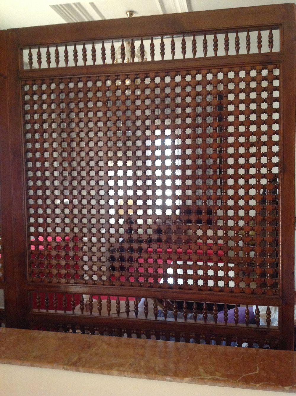 adelaparvu.com despre casa eclectica in Casablanca, casa marocana, obiecte LeSouk (1)