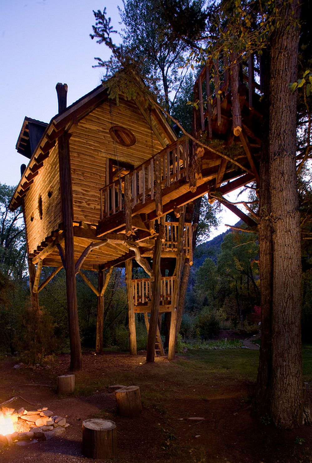 adelaparvu.com despre casa in copac, casa SUA, design David Rasmunssen, Green line Architects, Foto Brent Moss (4)
