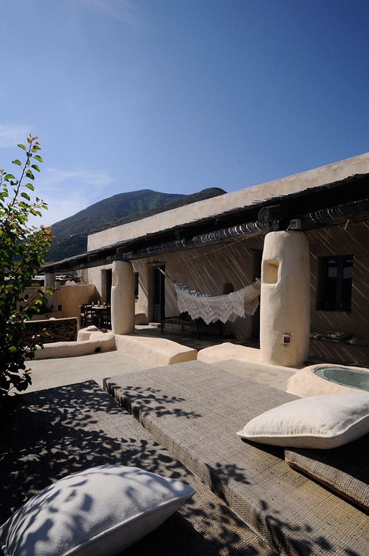 adelaparvu.com despre casa naturala in Filicudi, casa din materiale naturale Insulele Eoliene (4)