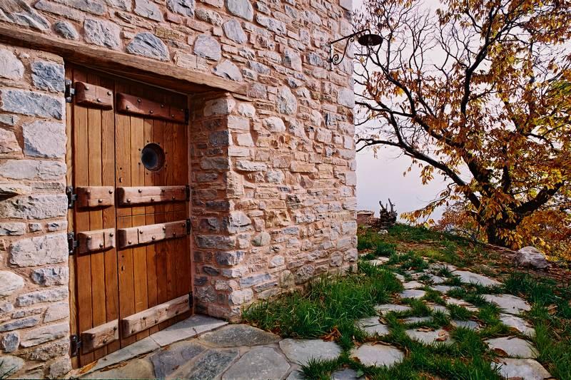 adelaparvu.com despre casa rustica din piatra, casa Grecia, casa de vacanta rustica, design Philippitzis & Associates (2)