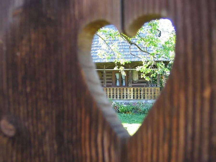 adelaparvu.com despre casa traditionala Maramures, satul Hoteni, Pensiune Marioara satul Breb, Foto Motica (3)