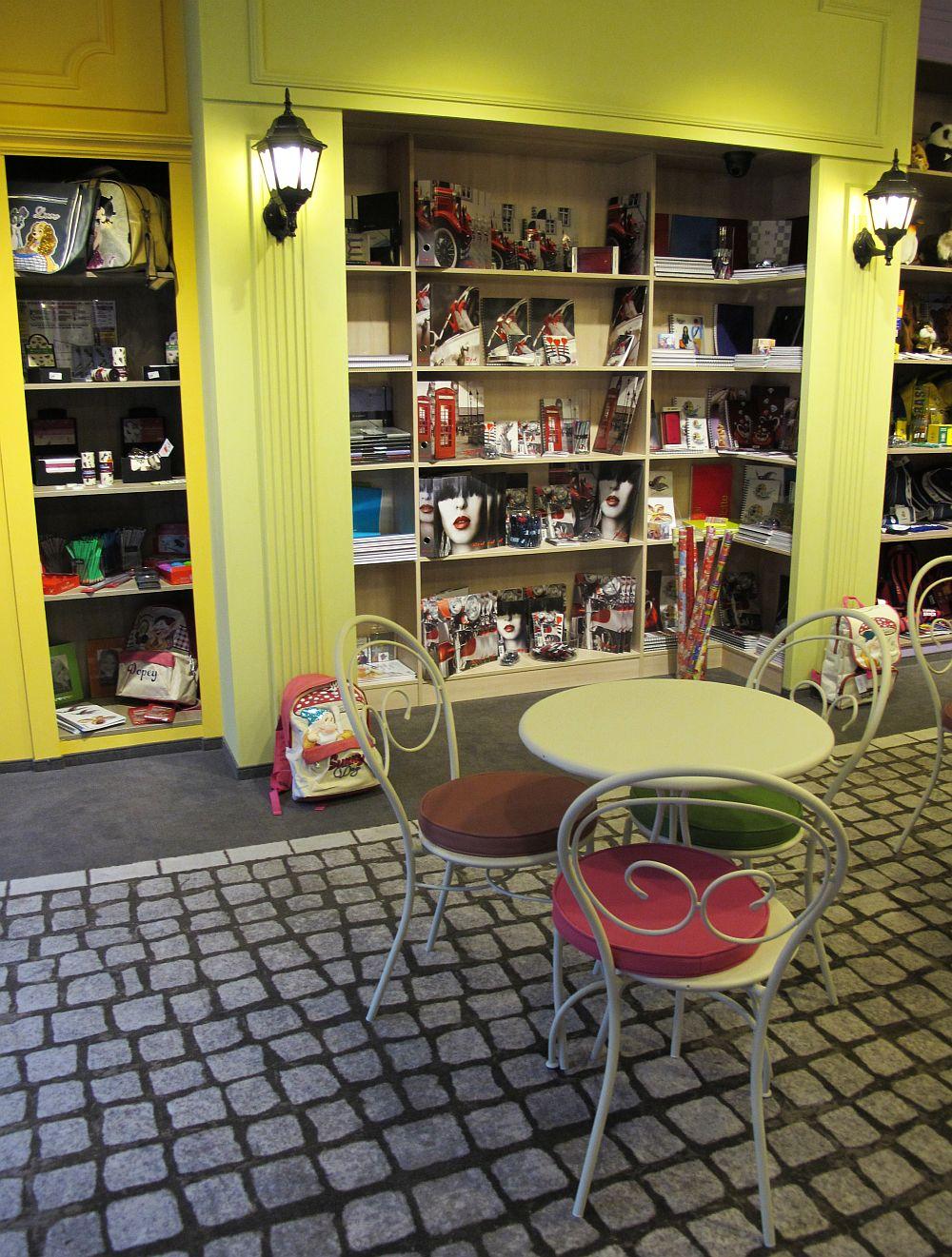 adelaparvu.com despre concept store papetarie Lolol, Dacris, design interior Prographic Studio Bucuresti (10)