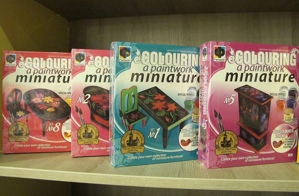 Kit de creativitate cu mobila miniaturala