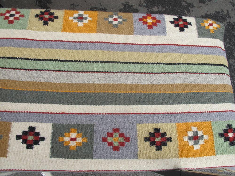 adelaparvu.com despre covoare lana traditionale moldovenesti, mester popular Maria Mihalachi, Baltatesti, judetul Neamt, Romania (11)