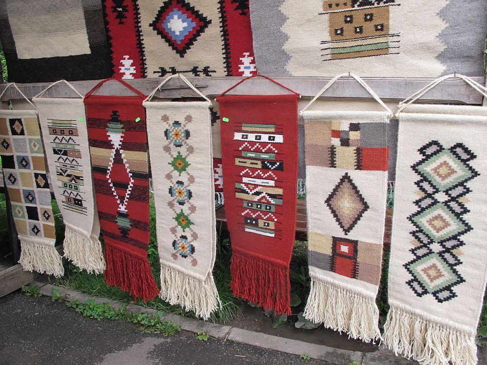 adelaparvu.com despre covoare lana traditionale moldovenesti, mester popular Maria Mihalachi, Baltatesti, judetul Neamt, Romania (12)