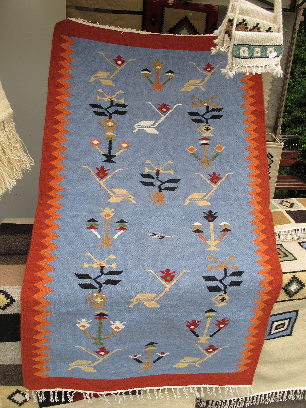 adelaparvu.com despre covoare lana traditionale moldovenesti, mester popular Maria Mihalachi, Baltatesti, judetul Neamt, Romania (9)