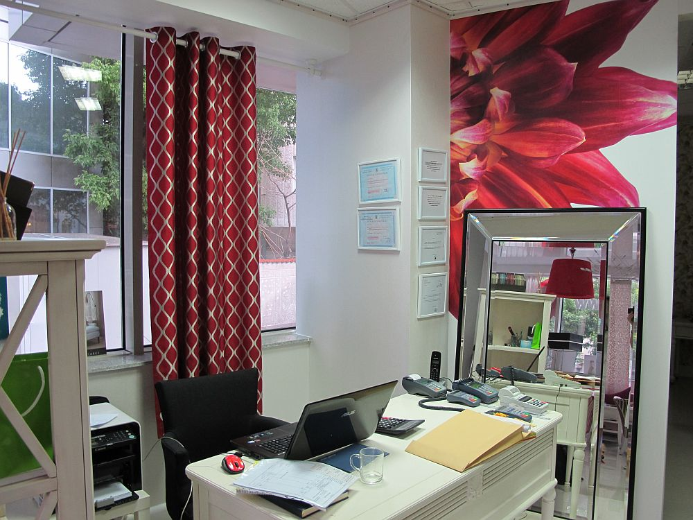 adelaparvu.com despre decoratiuni ProPlus, tapete, perdele, draperii, corpuri iluminat, oglinzi, mobila, parchet (18)