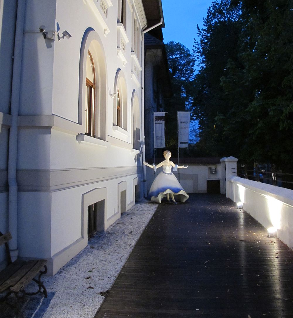 adelaparvu.com despre expozitia Senzorialitatea tacerii, artist Isabela Iorga, galeria Art Yourself Bucuresti (2)