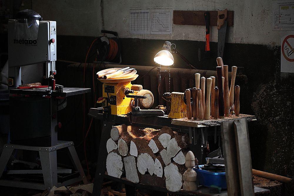 adelaparvu.com despre farfurii, boluri lemn, sfesnice lemn, sculpturi lemn, design Love Things, artist Florin Constantinescu (37)