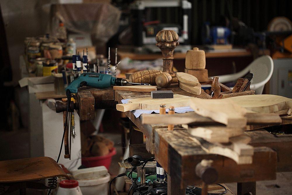 adelaparvu.com despre farfurii, boluri lemn, sfesnice lemn, sculpturi lemn, design Love Things, artist Florin Constantinescu (39)