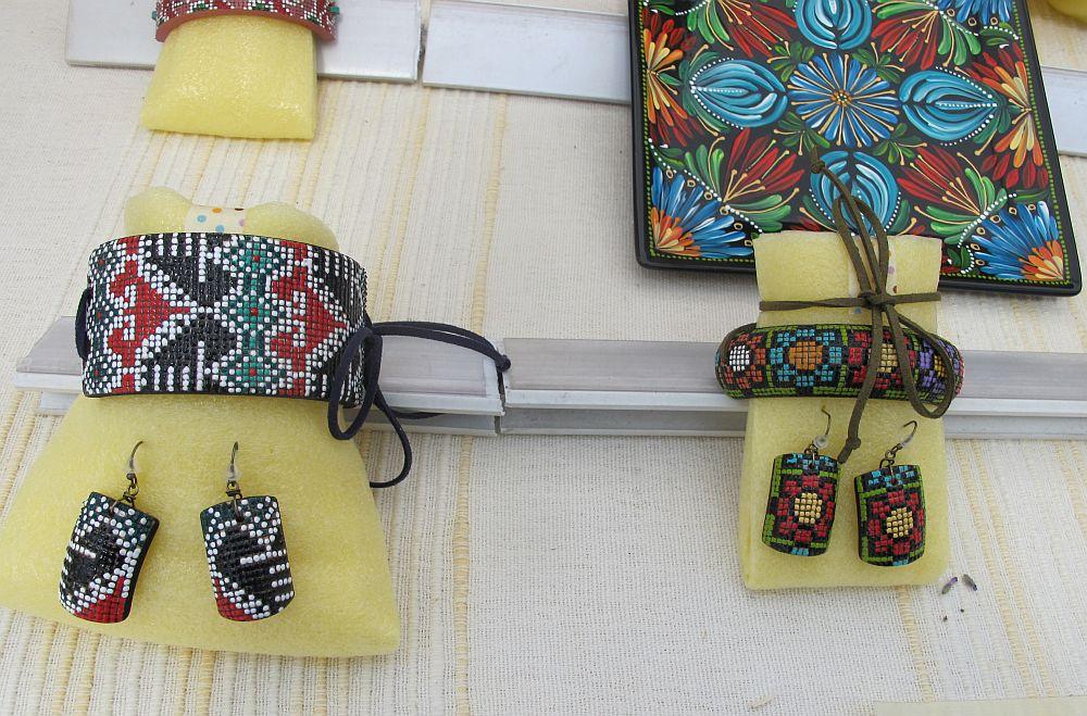 adelaparvu.com despre farfurii si bijuterii pictate cu motive traditionale romanesti, artisti Carmina si Peter Brancoveanu, Romania craftsmen (26)