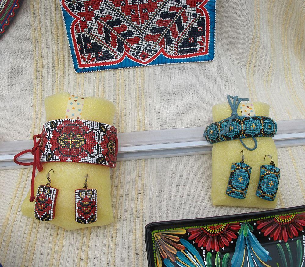 adelaparvu.com despre farfurii si bijuterii pictate cu motive traditionale romanesti, artisti Carmina si Peter Brancoveanu, Romania craftsmen (29)