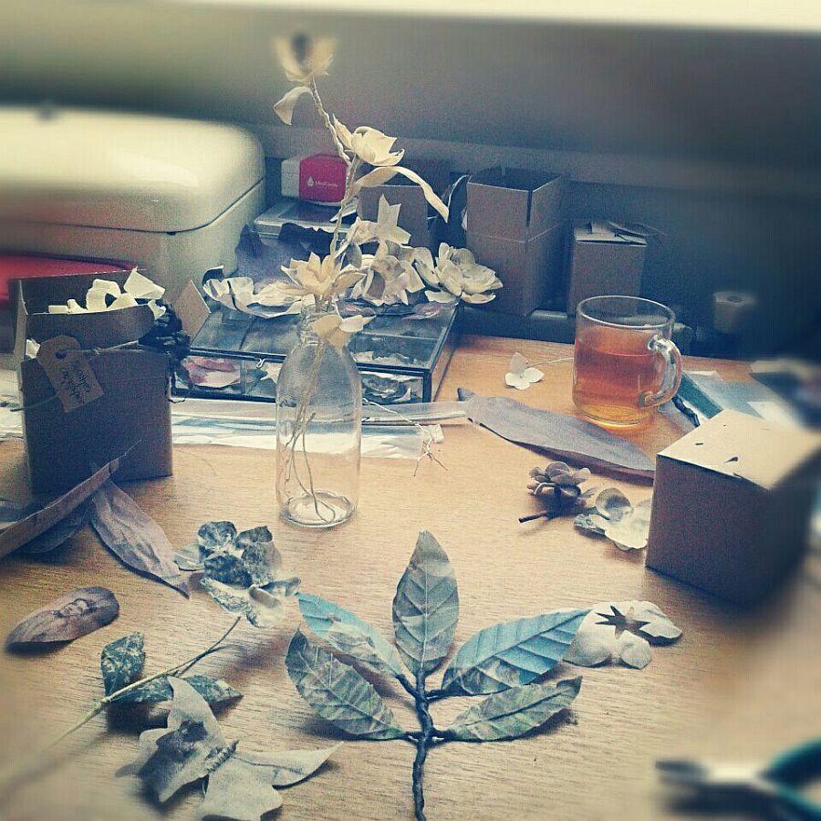adelaparvu.com despre flori, frunze, pene de bumbac imprimate cu imagini vintage, artist Miranda van Dijk, Puur Anders (4)