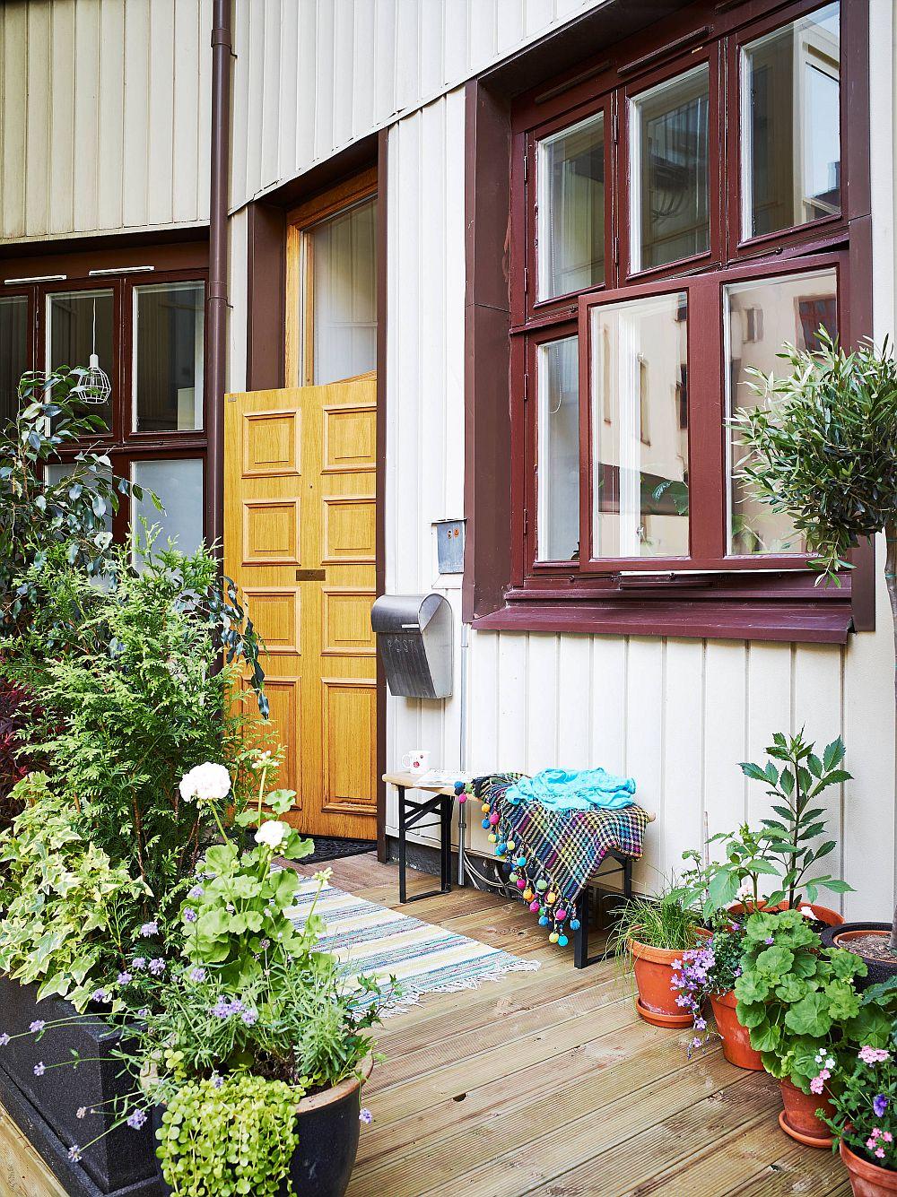 adelaparvu.com despre garsoniera de 32 mp cu loc de dormit la etaj, Foto Stadshem (5)