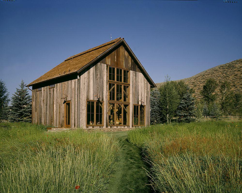 adelaparvu.com despre hambar transformat in casa de vacanta, casa din lemn, casa americana, casa SUA, design Miller Architects (1)