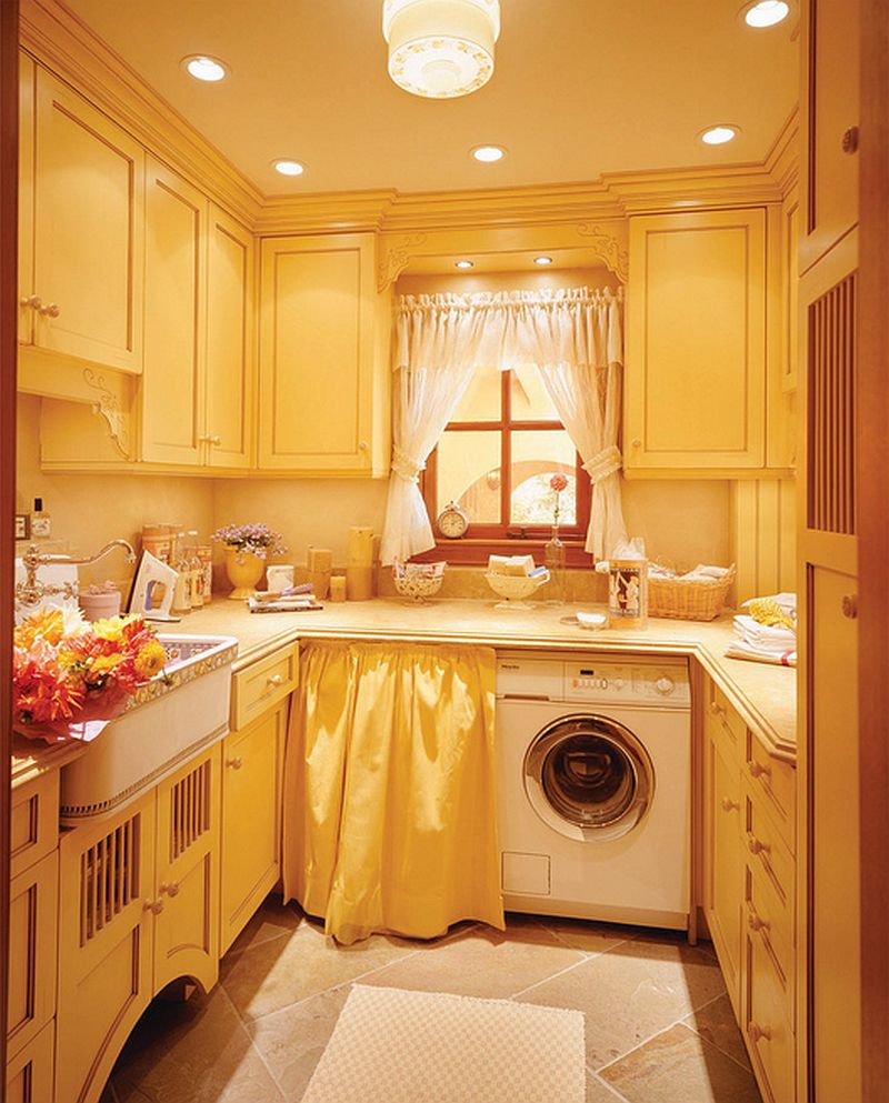 adelaparvu.com despre idee mobilier bucatarie rustica, galbena, proiect spalatorie Golden Gate Kitchens (2)