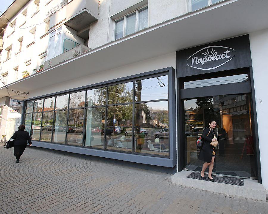 adelaparvu.com despre magazin Napolat Cluj Napoca, design Cosmin Todor (31)