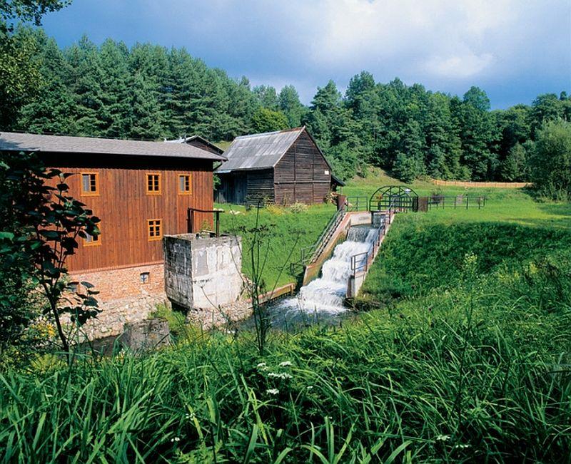 adelaparvu.com despre moara transformata in casa de vacanta, casa Polonia, Foto Joanna Siedlar (1)