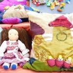 adelaparvu.com despre papusi din textile si perne create de Melinda Kolcsar, text Irina Anghel (1)