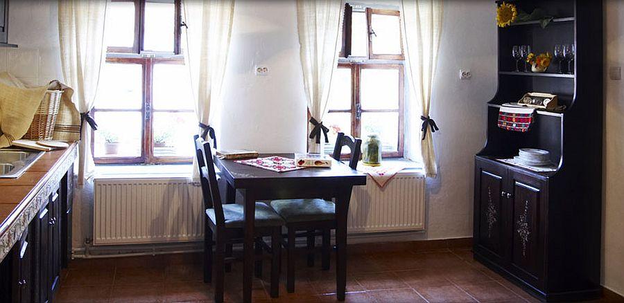 adelaparvu.com despre pensiunea Casa cu Zorele, case traditionale transilvanene, bedandbreakfast Crit, Transilvania, Romania (7)