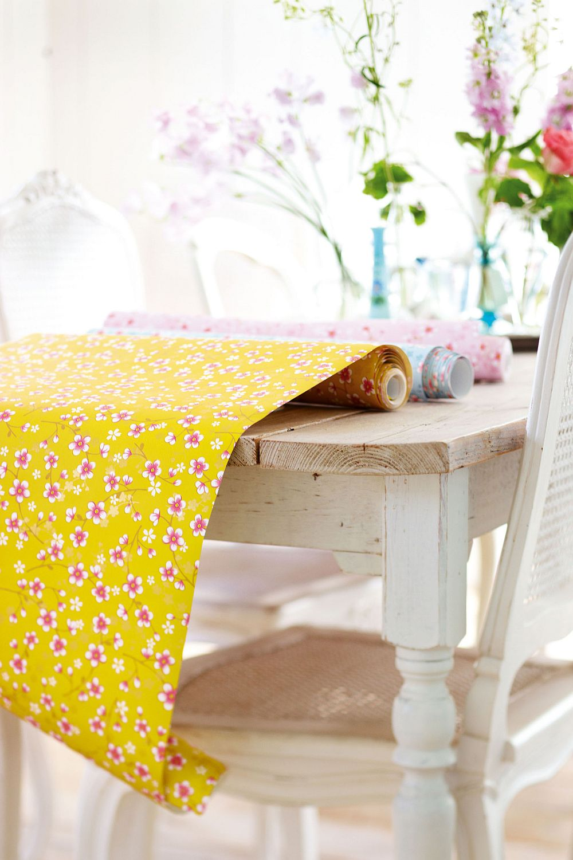 adelaparvu.com despre tapete Pip_CherryBlossom_yellow-Pip Studio