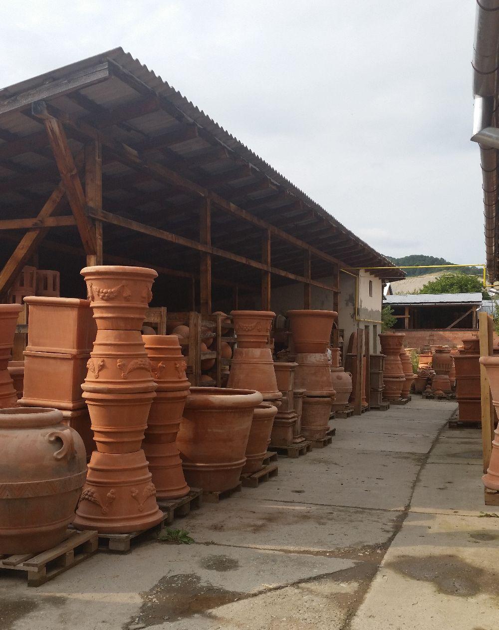 adelaparvu.com despre vase de gradina, ghivece si ornamente din teracota, lut, Terecote Sighisoara Romania (13)