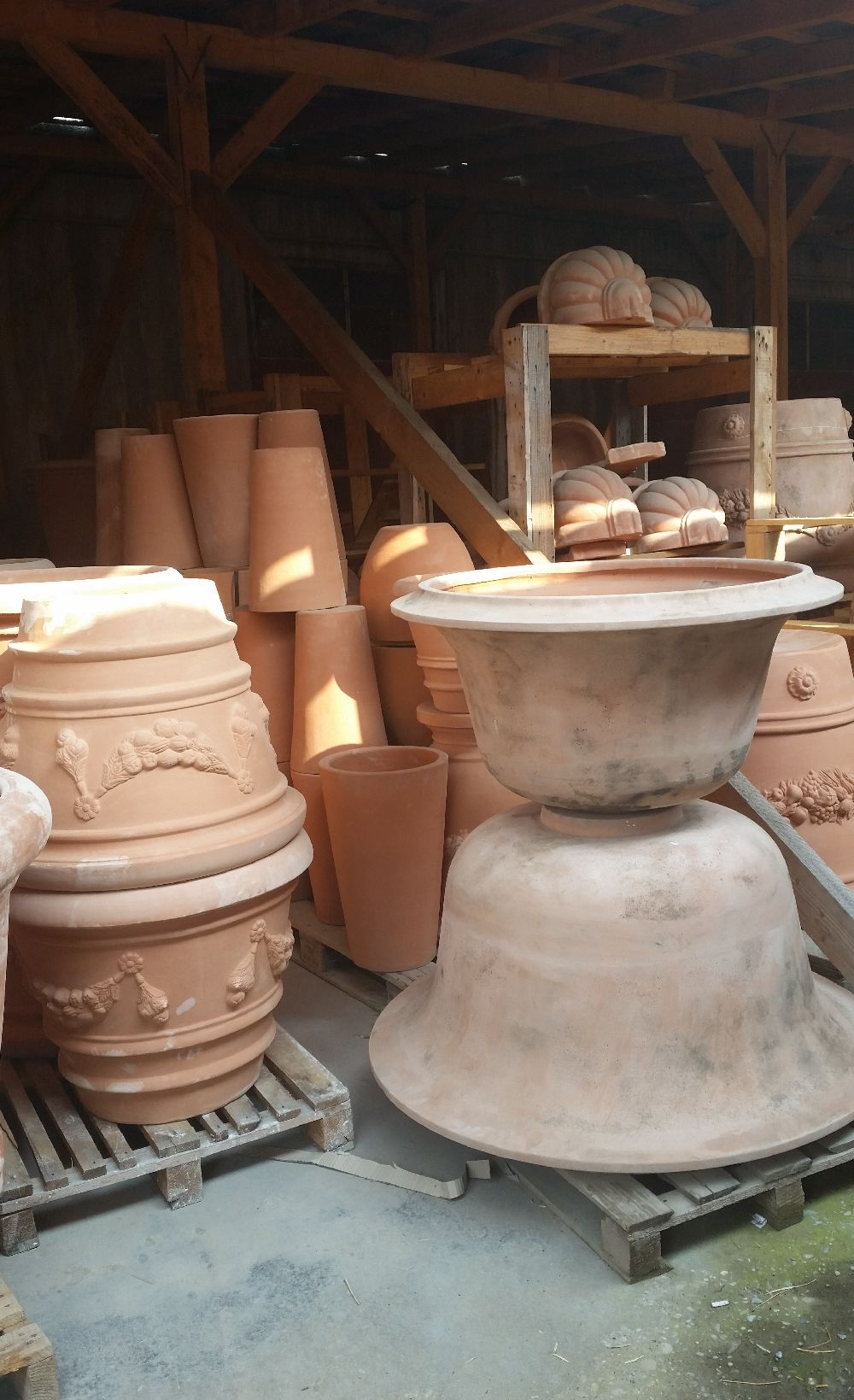 adelaparvu.com despre vase de gradina, ghivece si ornamente din teracota, lut, Terecote Sighisoara Romania (14)