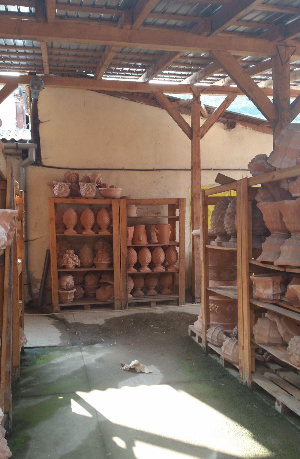 adelaparvu.com despre vase de gradina, ghivece si ornamente din teracota, lut, Terecote Sighisoara Romania (15)