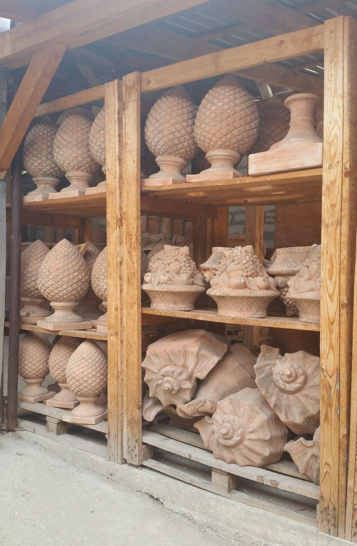 adelaparvu.com despre vase de gradina, ghivece si ornamente din teracota, lut, Terecote Sighisoara Romania (18)