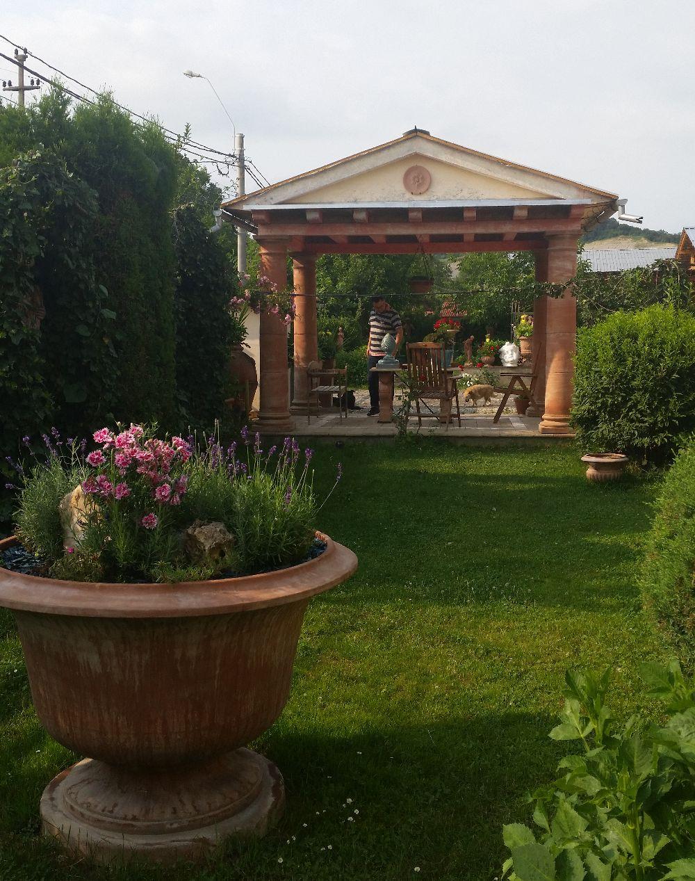 adelaparvu.com despre vase de gradina, ghivece si ornamente din teracota, lut, Terecote Sighisoara Romania (26)