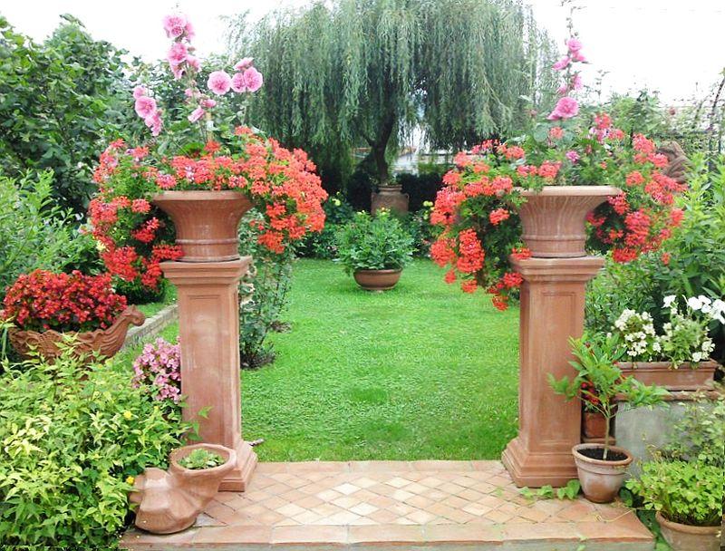 adelaparvu.com despre vase, ghivece, statuete, jardiniere din teracota, design Terecote, Sighisoara (19)