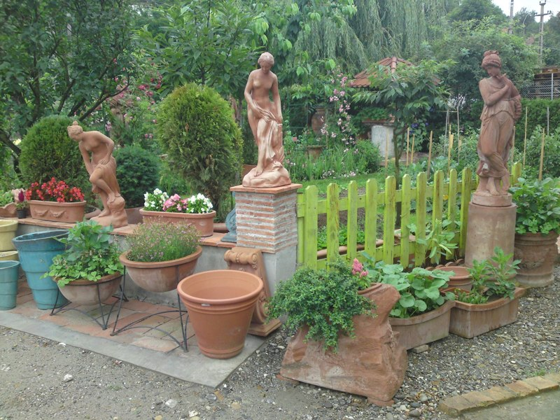 adelaparvu.com despre vase, ghivece, statuete, jardiniere din teracota, design Terecote, Sighisoara (23)
