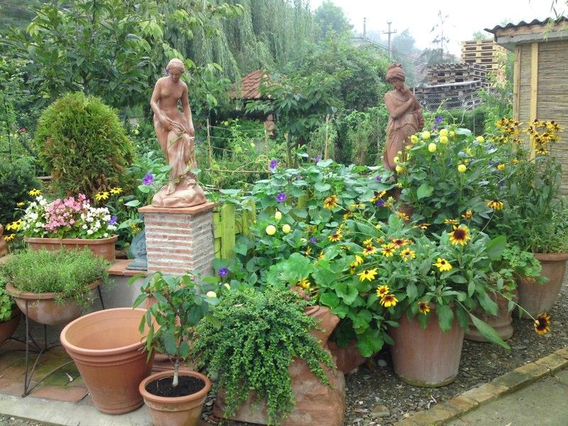 adelaparvu.com despre vase, ghivece, statuete, jardiniere din teracota, design Terecote, Sighisoara (24)
