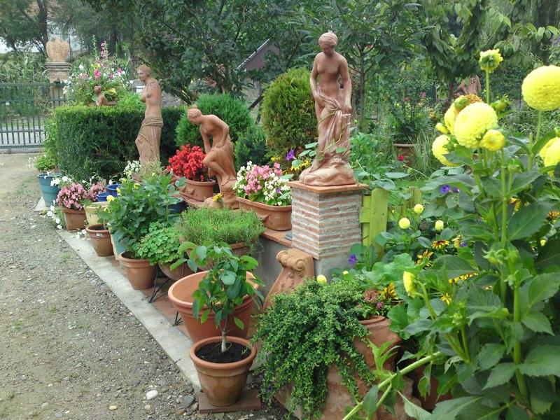 adelaparvu.com despre vase, ghivece, statuete, jardiniere din teracota, design Terecote, Sighisoara (25)