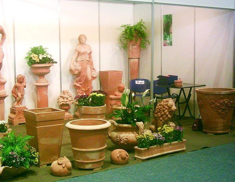 adelaparvu.com despre vase, ghivece, statuete, jardiniere din teracota, design Terecote, Sighisoara (7)