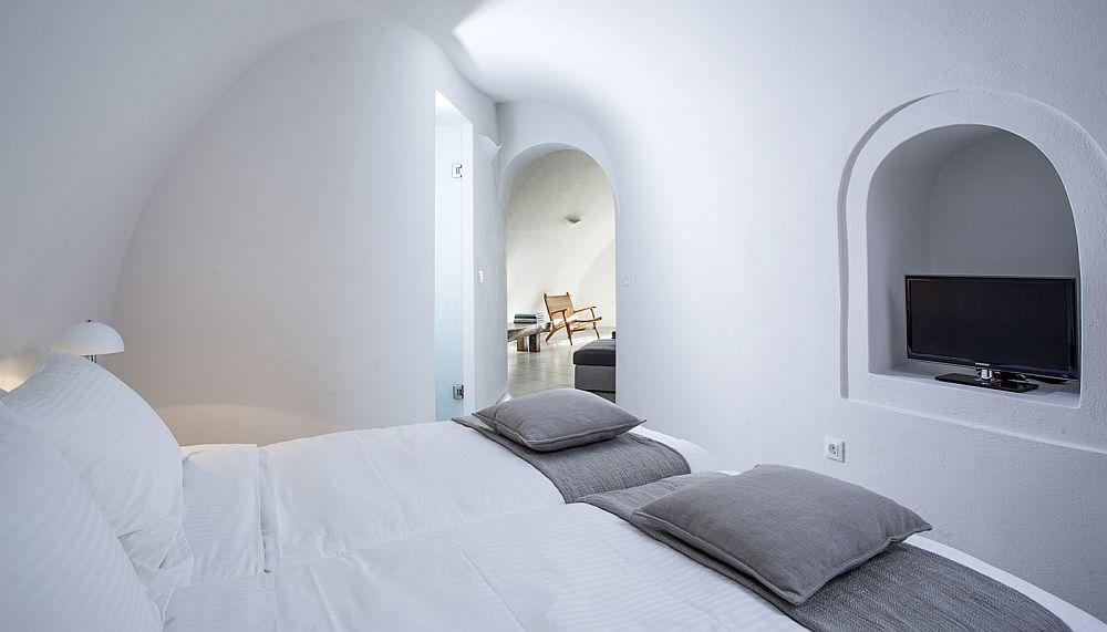 adelaparvu.com despre Bright blue villas, Grecia, Villa Anemone, Santorini (7)