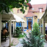 adelaparvu.com despre Daiazic, garden and bistro Bucuresti (22)