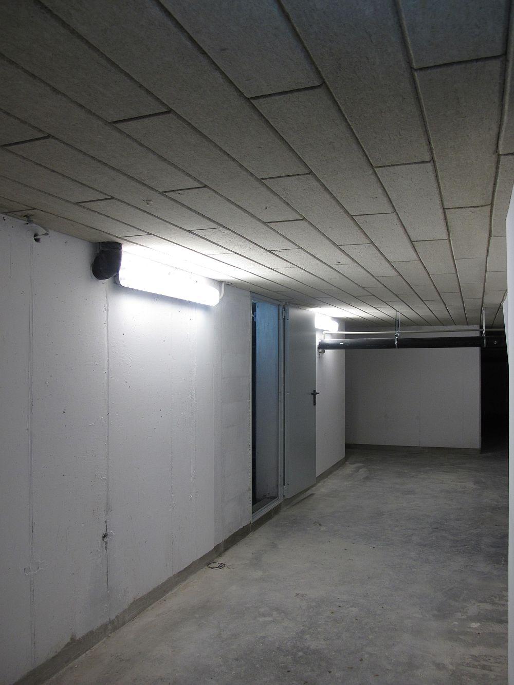 Subsolul blocului are plafoanele izolate