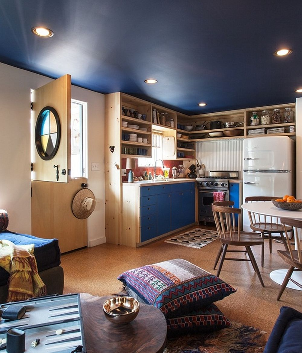 adelaparvu.com despre casa de vacanta intr-o rulota transformata, design Steven Johanknecht, Commune Design (2)