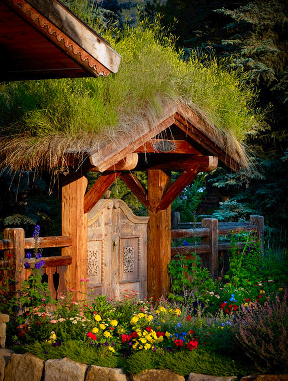 adelaparvu.com despre casa din lemn cu acoperis verde, Foto Vail Custom Builder (2)