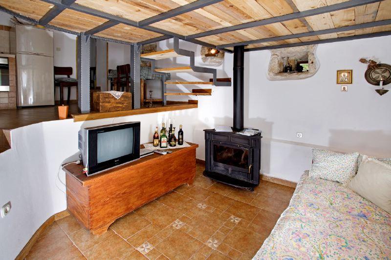 adelaparvu.com despre casa mica din piatra, casa de vacanta, casa Mia Istria, Croatia (15)