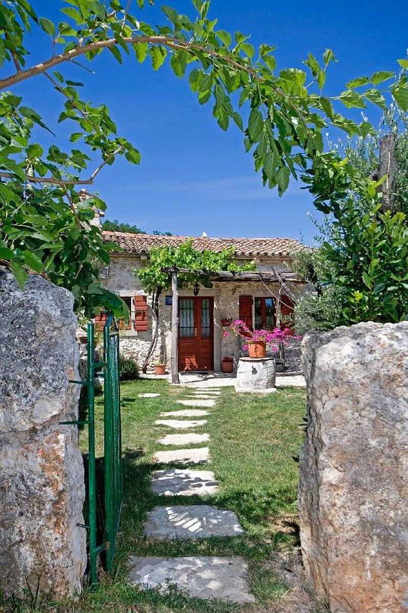 adelaparvu.com despre casa mica din piatra, casa de vacanta, casa Mia Istria, Croatia (7)