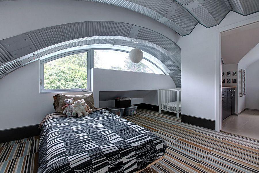 adelaparvu.com despre casa simpla transformata, casa cu acoperis arcuit, casa americana, casa SUA, arhitect Edgar Papazian, Foto Lincoln Barbour (12)