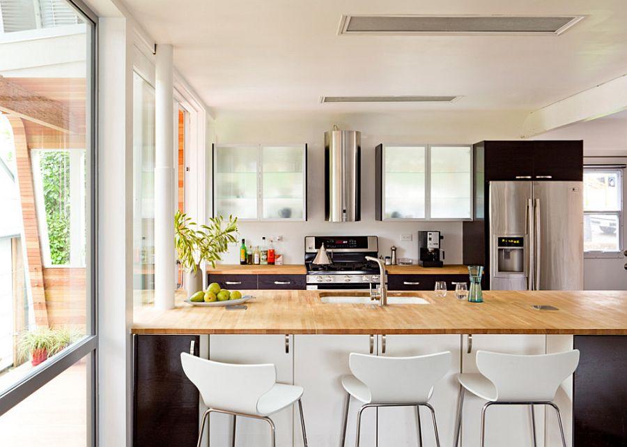 adelaparvu.com despre casa simpla transformata, casa cu acoperis arcuit, casa americana, casa SUA, arhitect Edgar Papazian, Foto Lincoln Barbour (5)