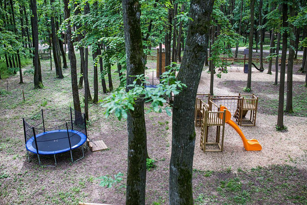 adelaparvu.com despre casute in copaci si parc de aventura Balotesti, Edenland Park, Romania (31)