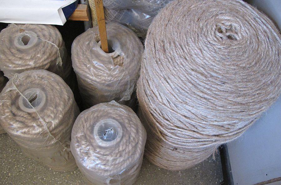 adelaparvu.com despre covoare iuta, perdele din iuta, panza de iuta, plase iuta, Industria Iutei SA (29)