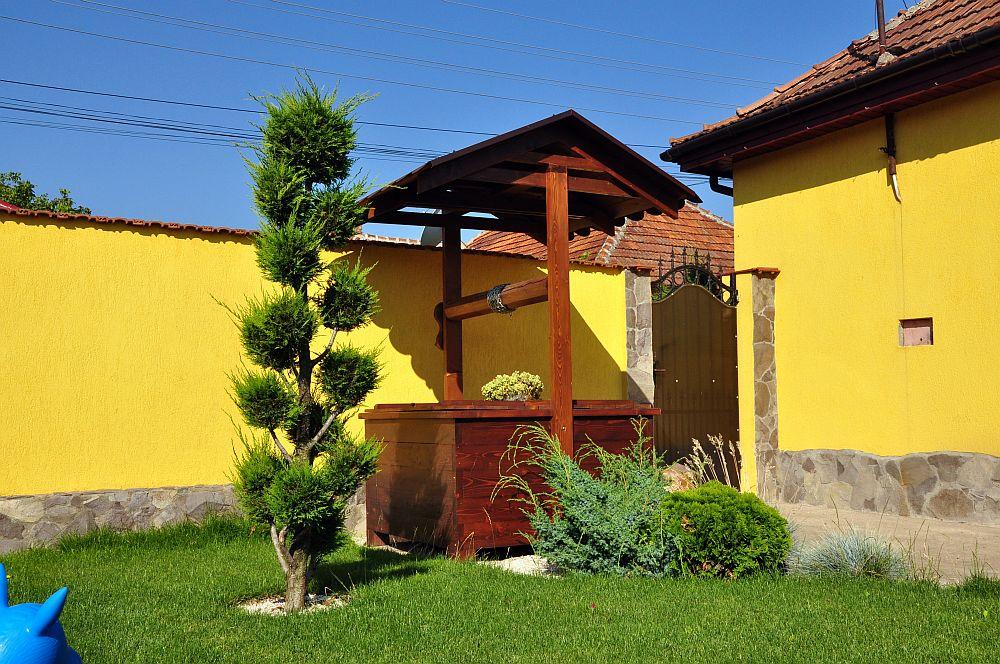 adelaparvu.com despre fantani decorative din lemn, masti pentru fantani, design Rustic Design, oradea (12)