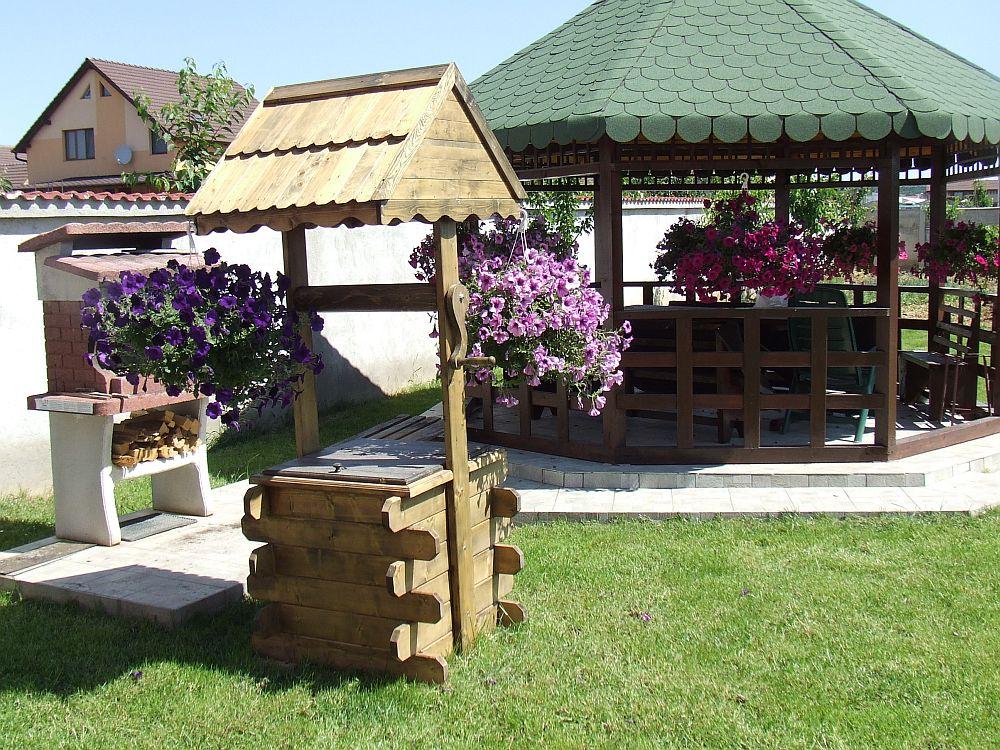 adelaparvu.com despre fantani decorative din lemn, masti pentru fantani, design Rustic Design, oradea (4)