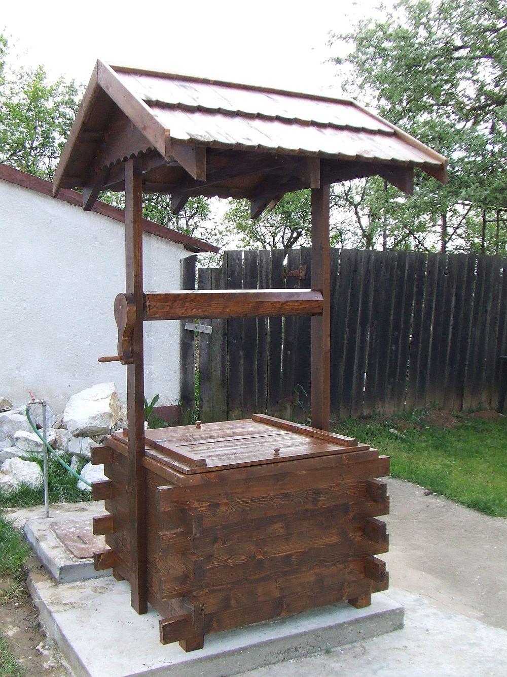 adelaparvu.com despre fantani decorative din lemn, masti pentru fantani, design Rustic Design, oradea (8)