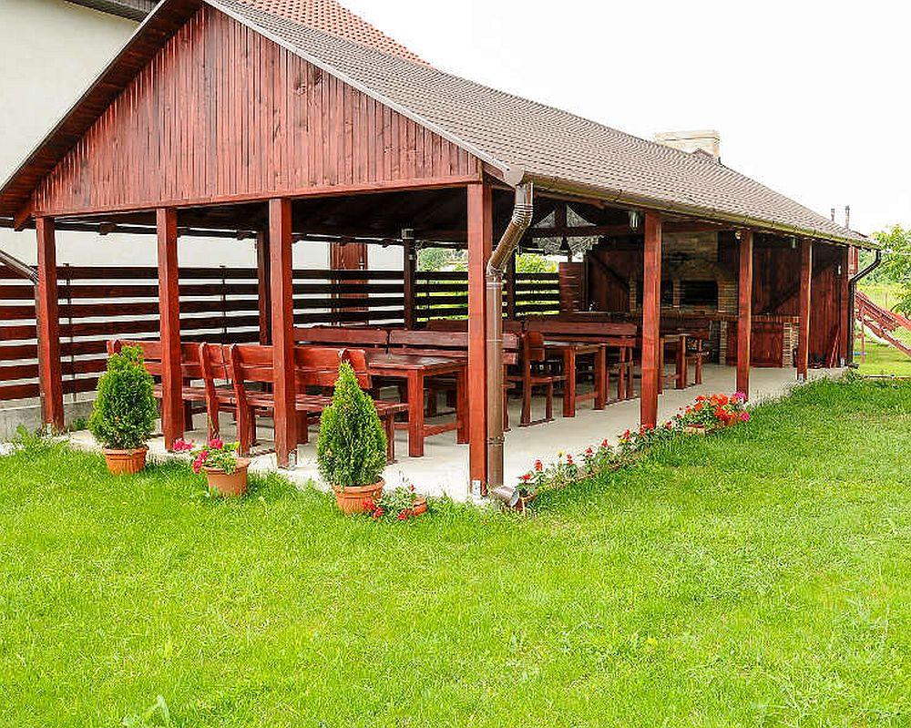 adelaparvu.com despre foisoare lemn, foisor dreptunghiular, firma Rustic Design, Romania (1)